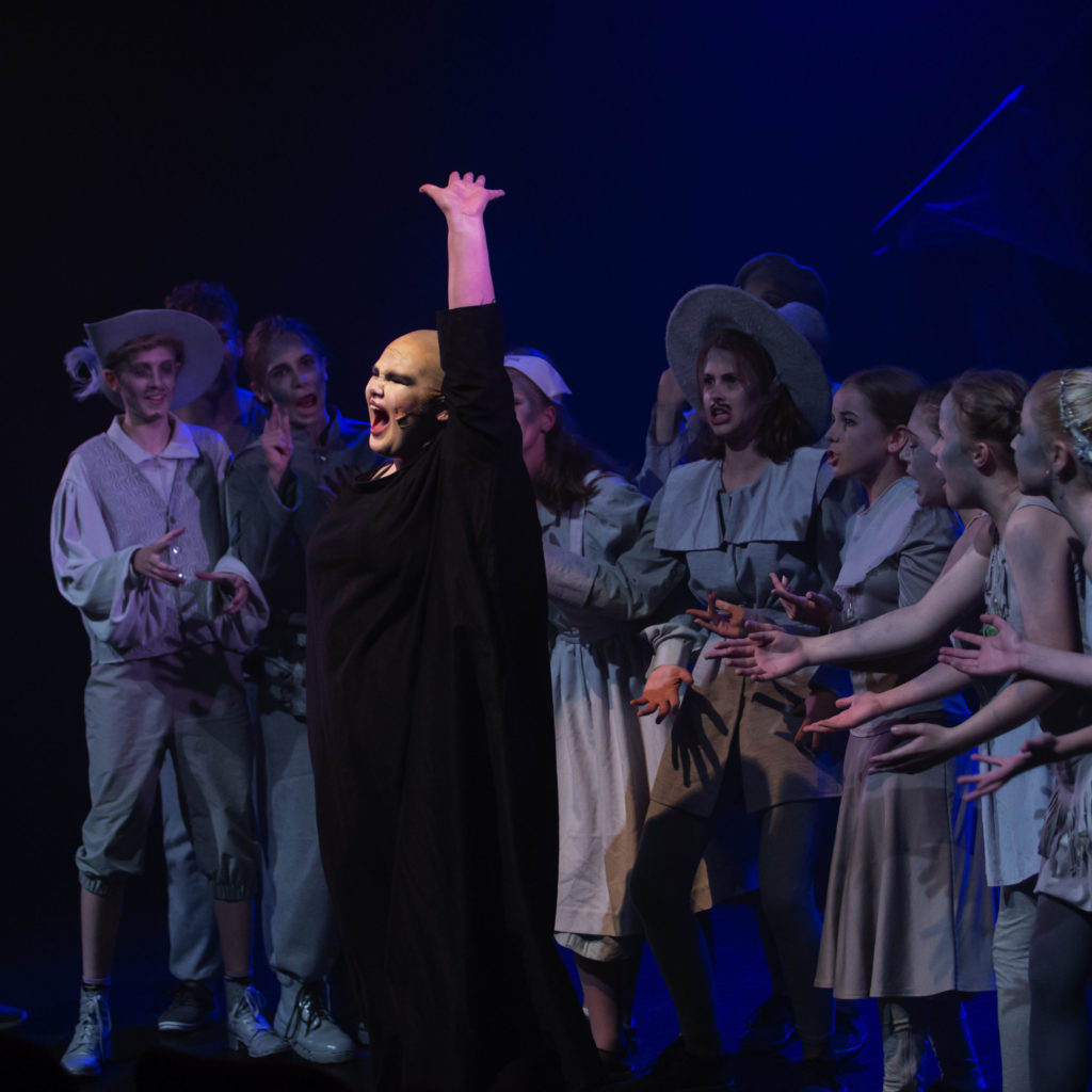 Queenie Samuel As Uncle Fester And Ancestors - Cast Of The Addams Family - A New Musical 2018